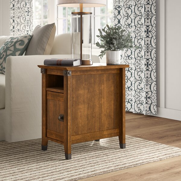 Review Chantrell End Table