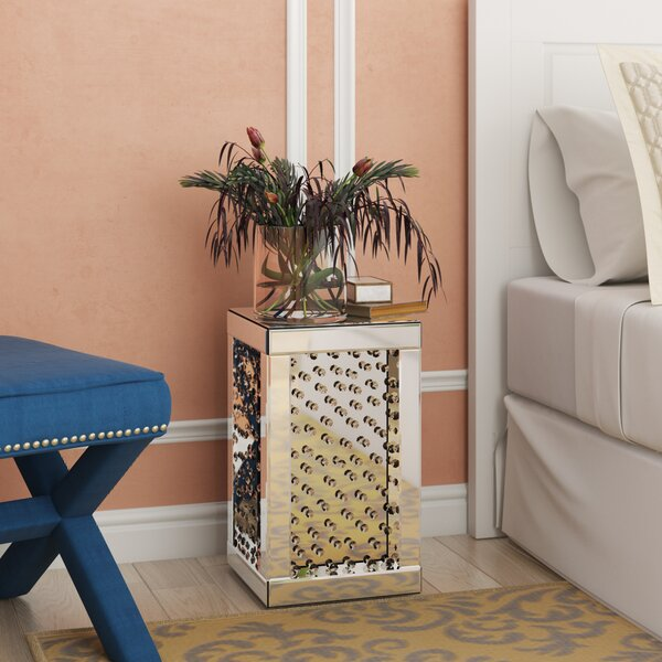 Hyslop End table by House of Hampton