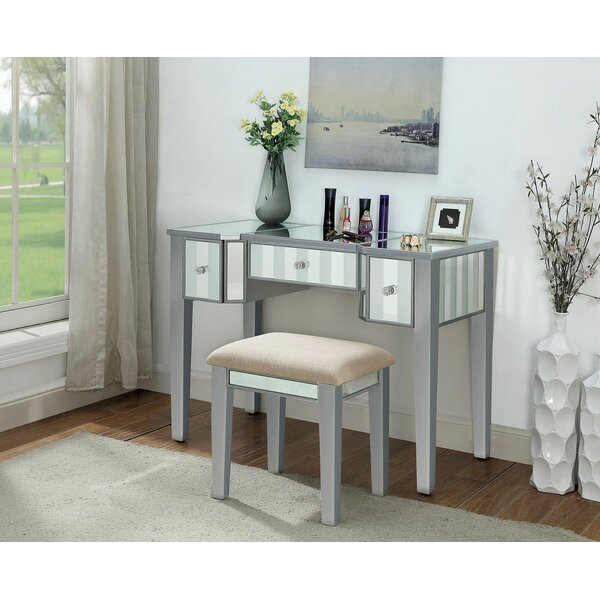 Katelynn Vanity Set with Mirror by House of Hampton