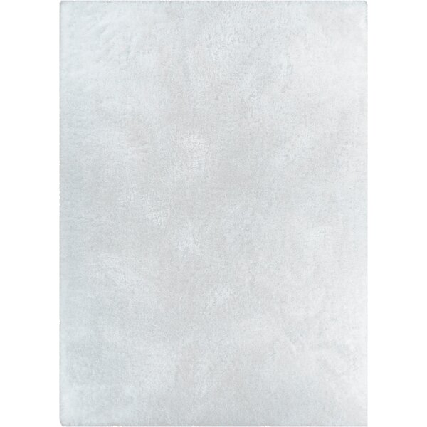 Puentes Serenity Shag White Area Rug by Wrought Studio