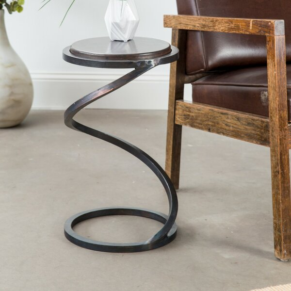 Dyer Avenue End Table by 17 Stories