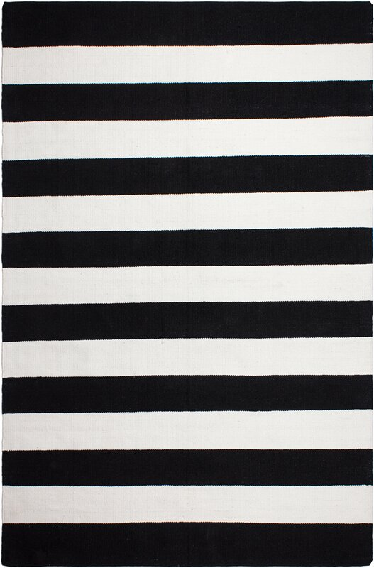 nantucket hand woven black indooroutdoor area rug - Black And White Rug