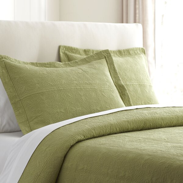 Jolie Bedding Single Quilt by Birch Lane™