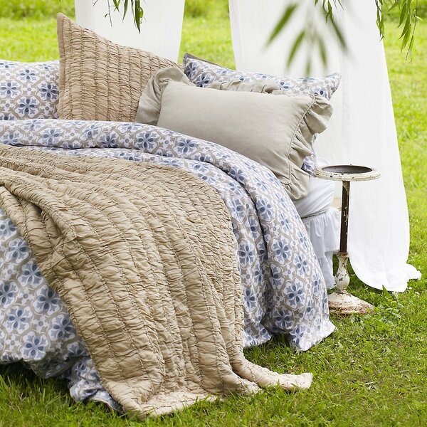 Rutched Quilt Collection