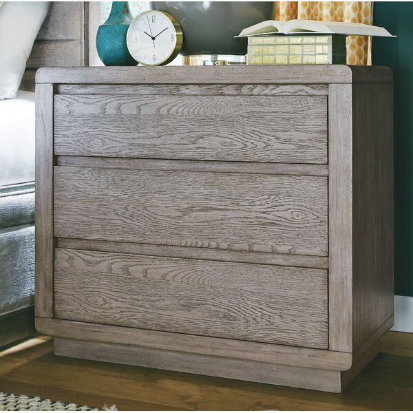 Freitas Wood 3 Drawer Bachelor's Chest by Gracie Oaks
