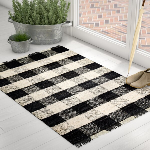 Sauget Hand-Woven Black/Ivory Area Rug by Laurel Foundry Modern Farmhouse