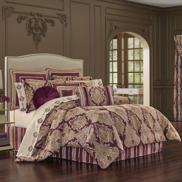 Acantha Comforter Set