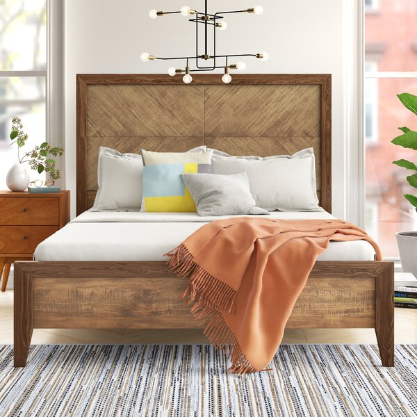 Ian Platform Bed by Foundstone