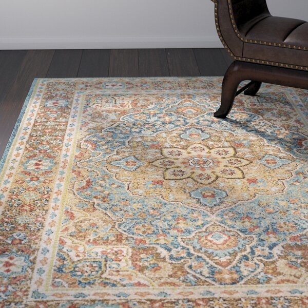 Naranjo Traditional Tan Area Rug by World Menagerie
