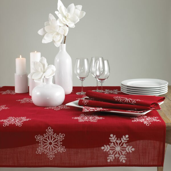 Snowflake Table Runner by The Holiday Aisle