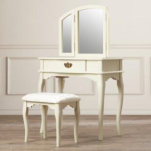 Dorfman 3 Piece Vanity Set With Trifold Mirror