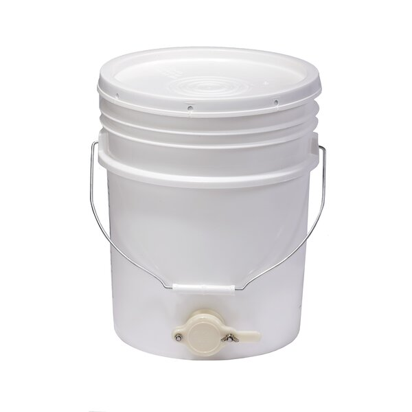 Little Giant 5 Gallon Plastic Bucket by Miller Mfg