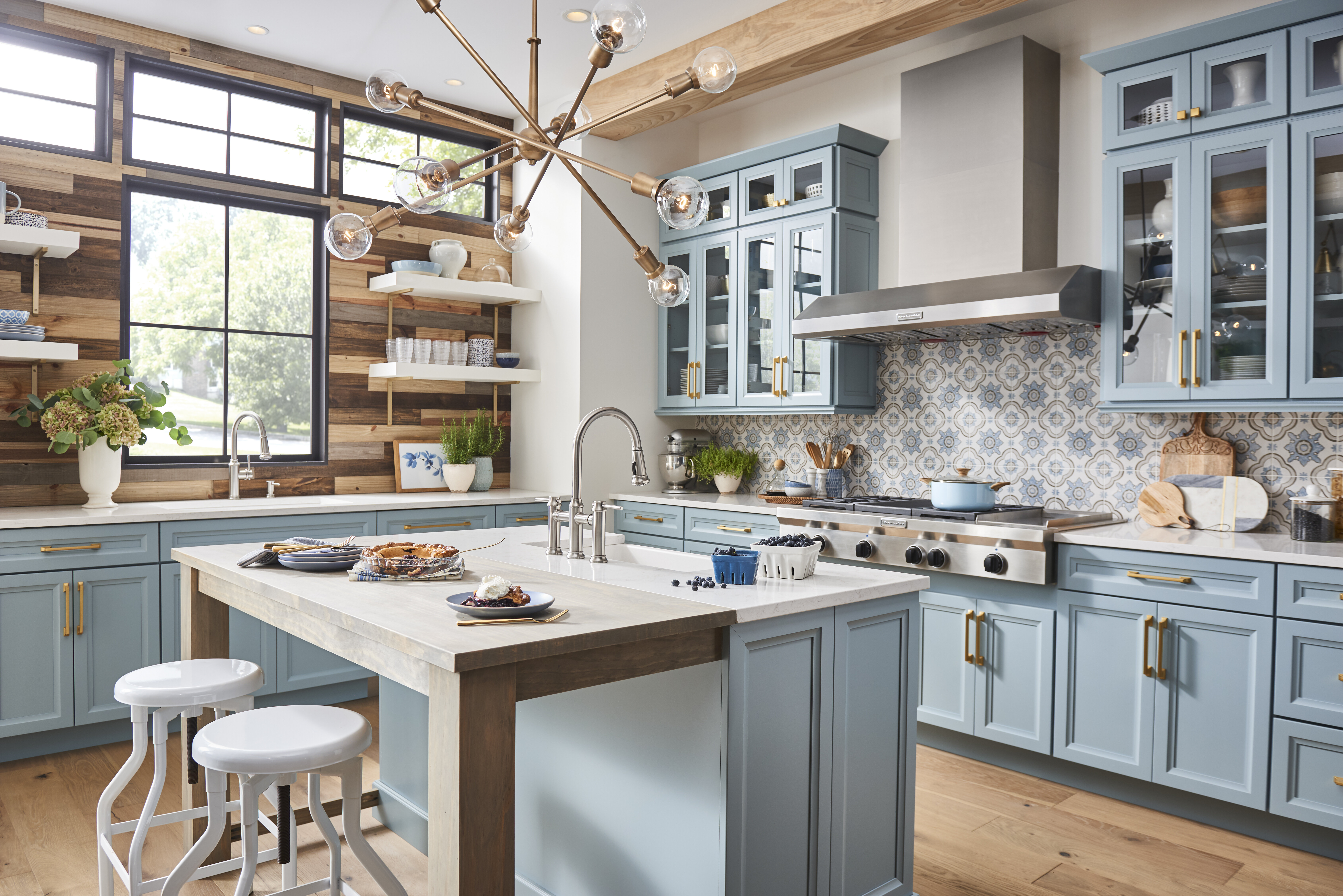32 Farmhouse Kitchens That Are Seriously Stunning With Photos ...