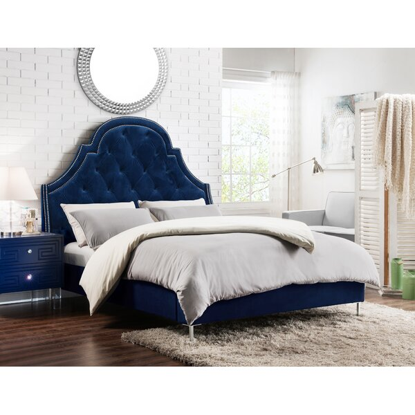 Trevon Upholstered Platform Bed by Rosdorf Park