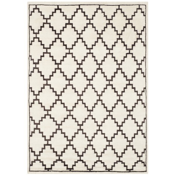 Mosaic Beige / Charcoal Geometric Rug by Safavieh