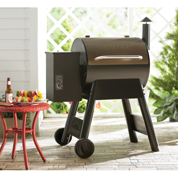 Pro Series 22 Wood Pellet Grill by Traeger Wood-Fi
