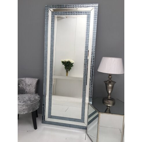 Hollywood Leaner Mirror