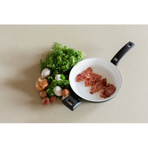 Blanc et Noir Non-Stick Frying Pan