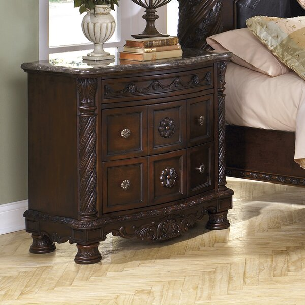 Chapell 3 Drawer Bachelors Chest by Astoria Grand