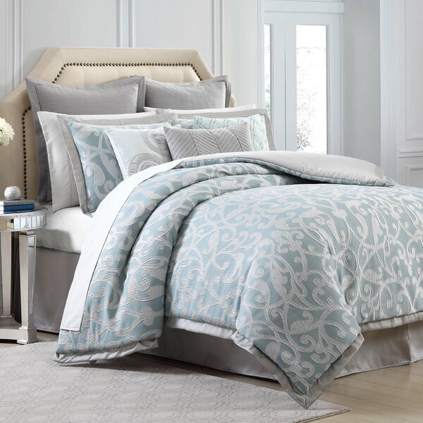 Legacy Reversible Comforter Set