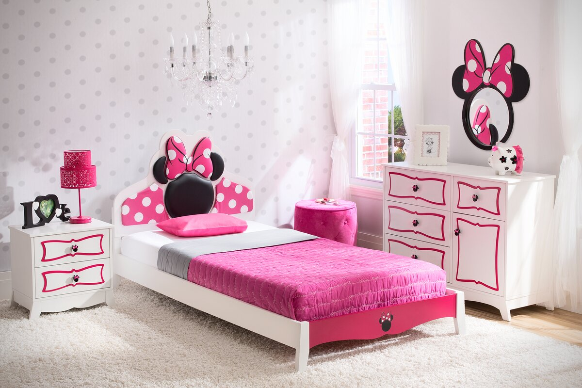 Beautiful Disney Minnie Mouse Panel 4 Piece Bedroom Set. By Delta Children