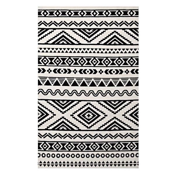 Shaun Geometric Moroccan Tribal Black/White Area Rug by Ivy Bronx