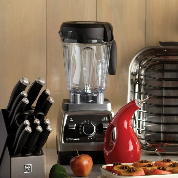 Professional Series 750 Blender in Brushed Metal by Vitamix