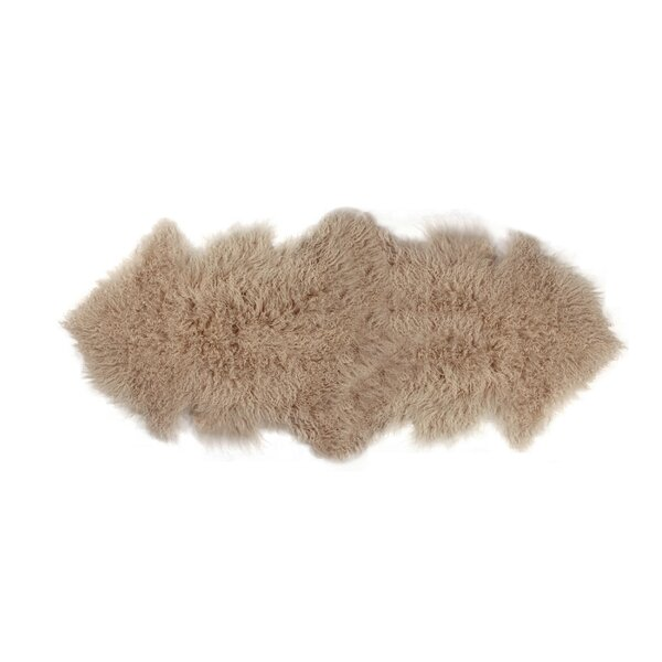 Rockwall Faux Sheepskin Tan Area Rug by Luxe