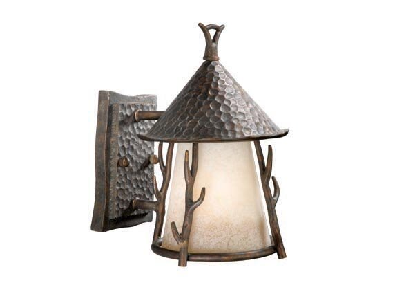 Pomonok 1-Light Outdoor Wall Lantern by Loon Peak