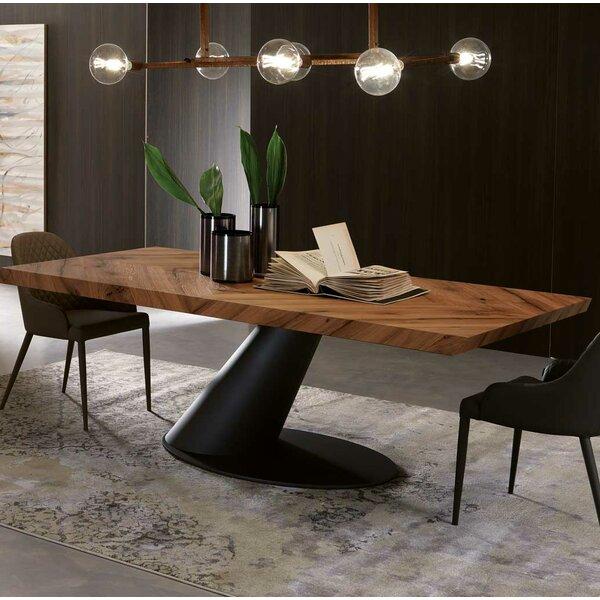 Taurus Dining Table by YumanMod YumanMod