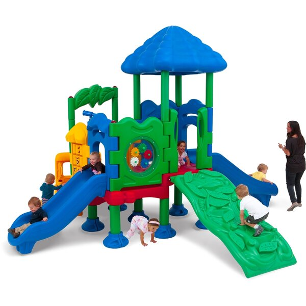 Discovery Center Playground by Ultra Play