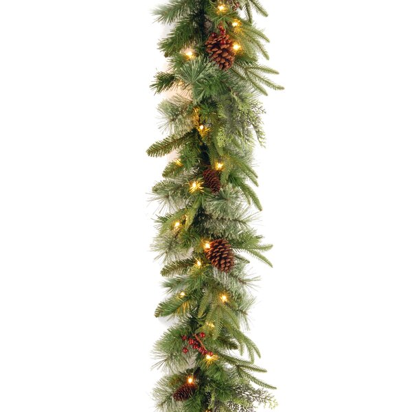 6 feet Pre-Lit Feel-Real Garland by Mercury Row