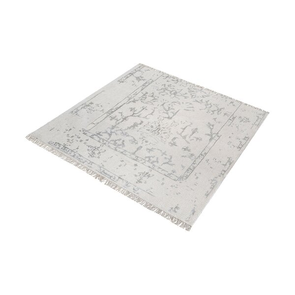 Florus Hand-Knotted Antique Ivory/Silver Area Rug by Bungalow Rose