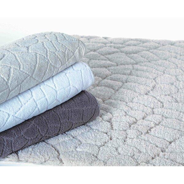 Munson Pattern Mat Rectangle 100% Cotton Non-Slip Floral Bath Rug