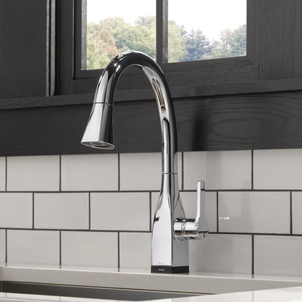 Mateo Pull Down Touch Single Handle Kitchen Faucet with and MagnaTite® Docking and Touch2O® Technology by Delta