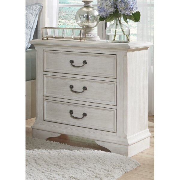 Trenton 3 Drawer Nightstand by Rosecliff Heights