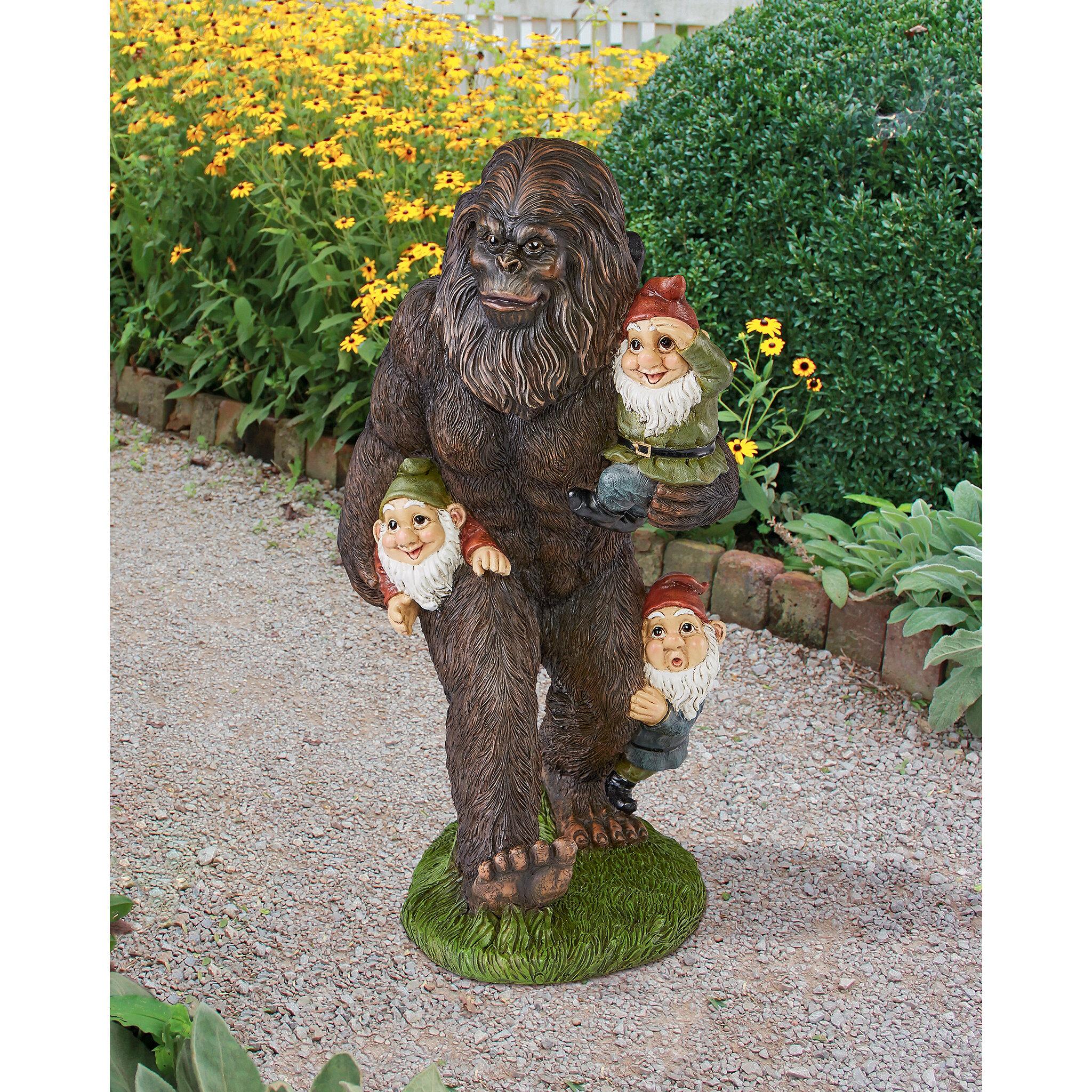 Superbe Design Toscano Schlepping The Garden Gnomes Bigfoot Statue U0026 Reviews |  Wayfair