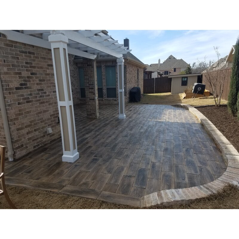 Barnwood Plank Patio On A Pallet Paver Set