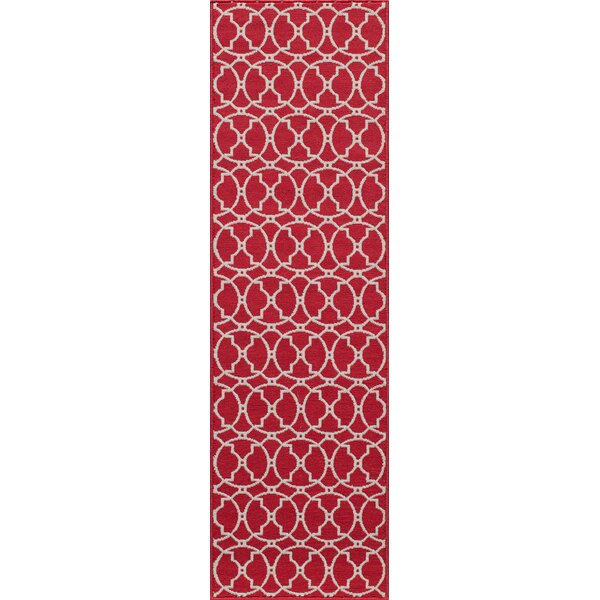 Halliday Traditional Red Indoor/Outdoor Area Rug by Beachcrest Home