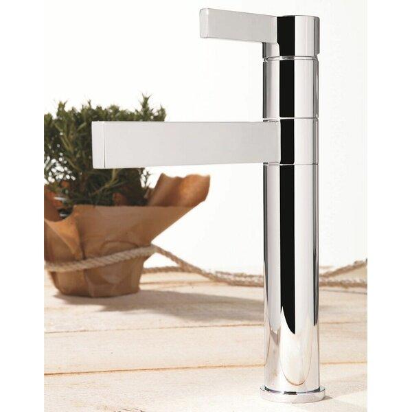 Caso Single Handle Kitchen Faucet by Maestro Bath