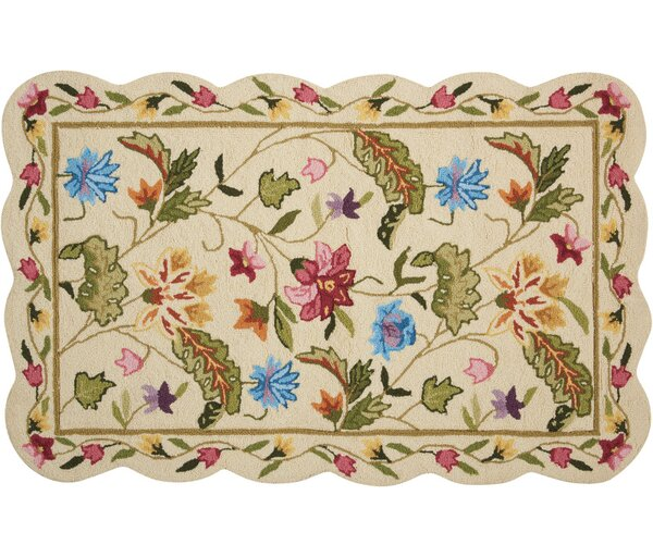 Cherie Ivory/Green Area Rug by August Grove