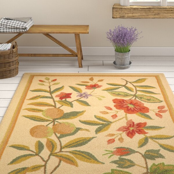 Kinchen Hand-Hooked Wool Ivory/Sage Area Rug by August Grove
