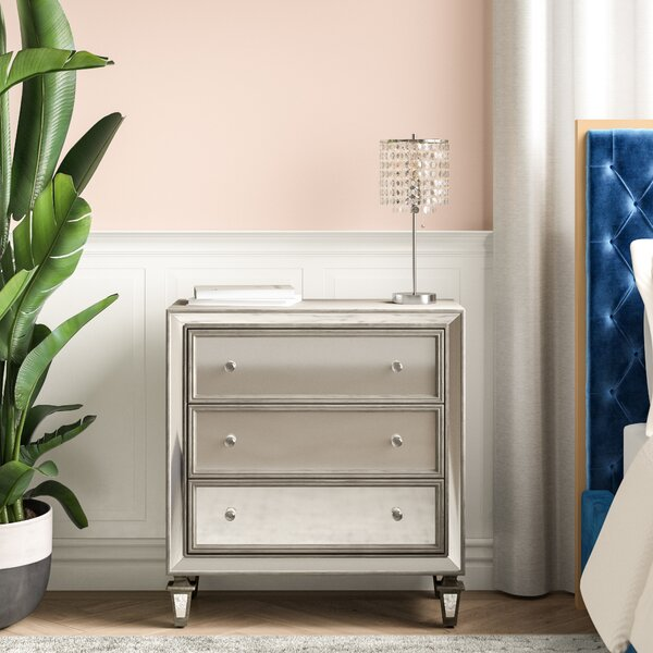 Luton 3 Drawer Bachelors Chest by House of Hampton
