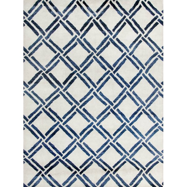 Moroccan Hand-Knotted Ivory/Blue Area Rug by Safavieh