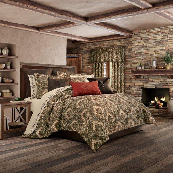 Sera Comforter Set