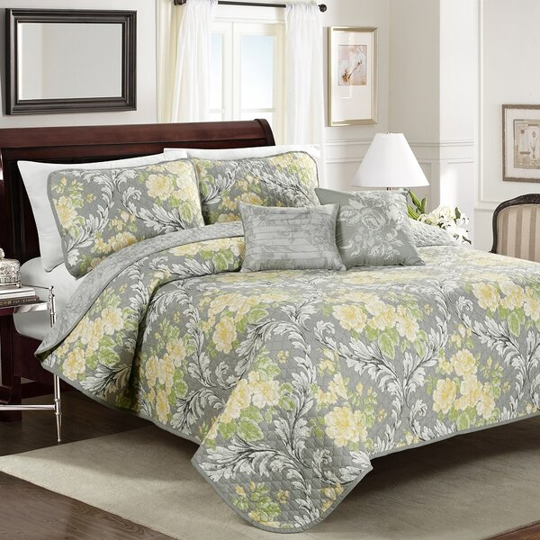 Jolyn Floral Quilt Set by Blissful Living