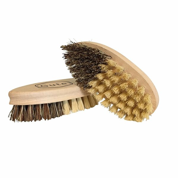 Fruit and Vegetable Brush by Gute Kitchen