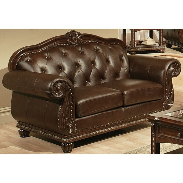 Review Mejia Loveseat