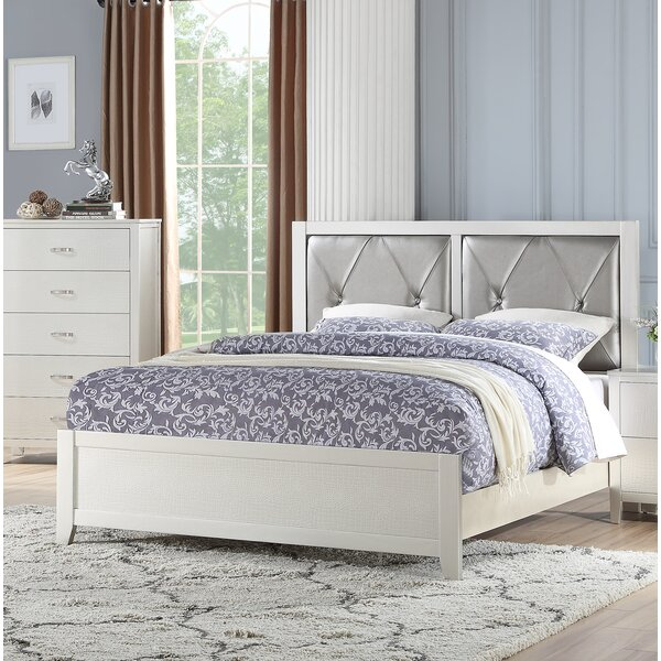 Flagg Upholstered Platform Bed by House of Hampton