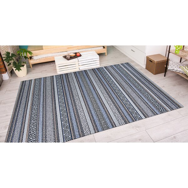Amasa Light Blue Indoor/Outdoor Area Rug by World Menagerie
